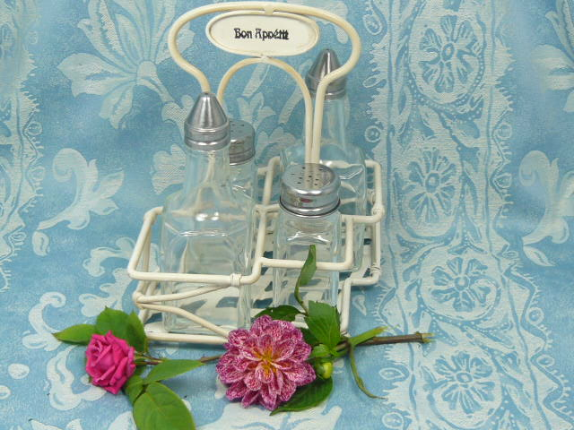 z/sold FRENCH SHABBY CHIC CRUET SET