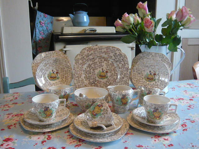 Z/SOLD - STUNNING VINTAGE CRINOLINE LADY TEA SET