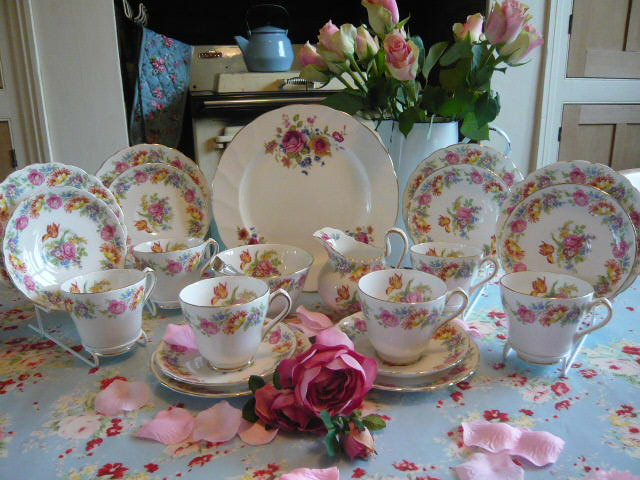 Z/SOLD  NEW CHELSEA VINTAGE TEA SET C 1936