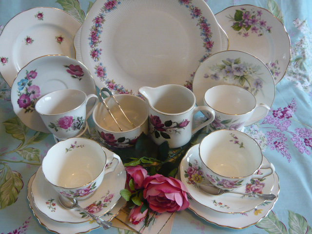 z/sold ADORABLE MIX-N-MATCH VINTAGE TEASET with roses and violets