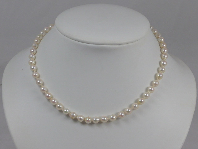 Z/SOLD  VINTAGE CULTURED PEARL NECKLACE