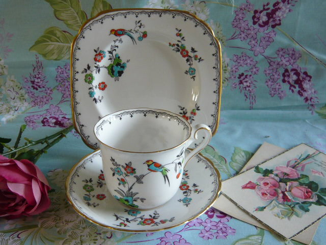 z/sold VINTAGE TRIO BY TUSCAN WITH BIRDS & FLOWERS