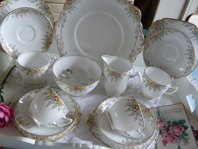 z/sold ART DECO VINTAGE TEASET BY STANDARD CHINA