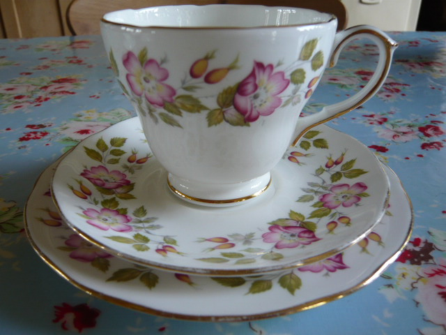z/sold -A VINTAGE TRIO BY DUCHESS CHINA  LINDEN LEA