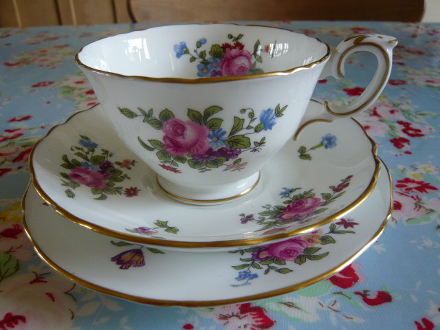 Z/SOLD -A VINTAGE TRIO BY CROWN STAFFORDSHIRE