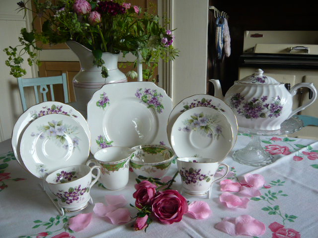 Z/SOLD - A DUCHESS VIOLETTA TEA FOR TWO TEA SET