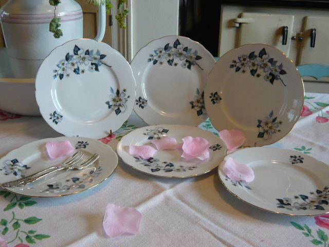 Z/SOLD - PRETTY BLUE FLORAL VINTAGE TEA PLATES