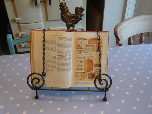 Z/sold  CHICKEN RECIPE BOOK STAND