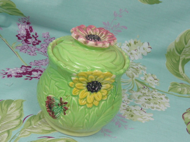 Z/SOLD VINTAGE SHORTER FLORAL HONEY POT