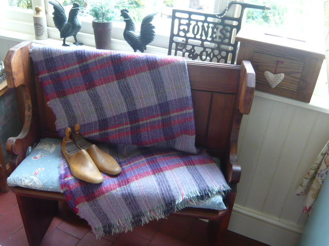 z/sold A VINTAGE WELSH BLANKET