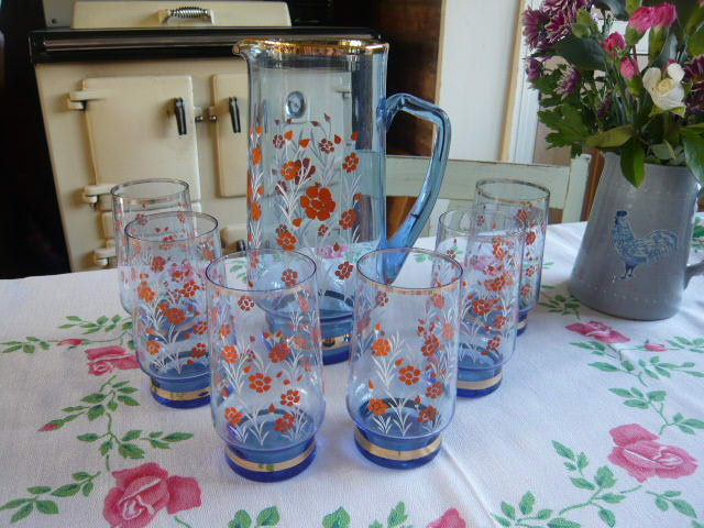 z/sold  VINTAGE BLUE GLASS SET OF DRINKING GLASSES & JUG