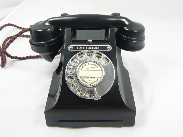 VINTAGE  CALL EXCHANGE BAKELITE TELEPHONE