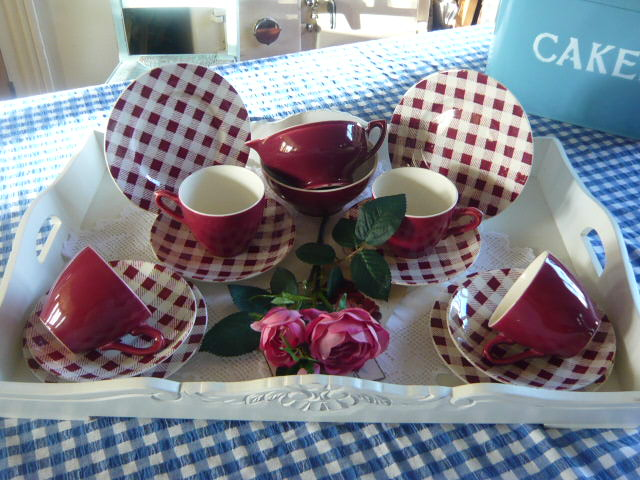 Z/SOLD  Myott CHECKERS tea set