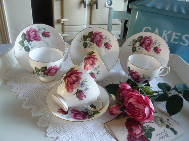 z/sold  Vintage pink roses cups and saucers