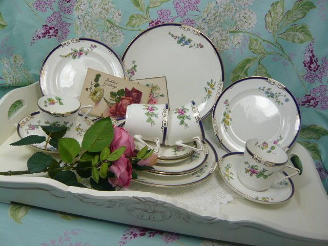 Z/SOLD  VINTAGE TEA SET by Heathcote china