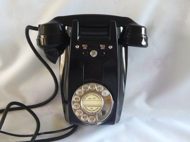 z/sold AN  ART DECO BELL ON / BELL OFF WALL TELEPHONE