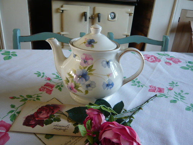 z/sold SWEETPEAS  VINTAGE TEAPOT by Sadler